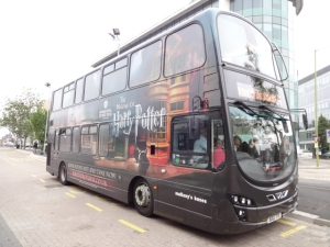 Harry-Potter-Bus-from-station-to-studio