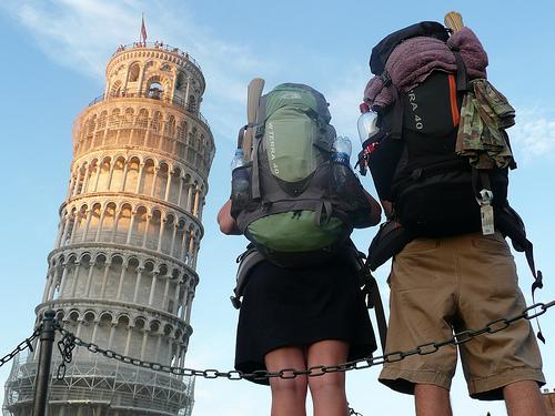 Backpackers-in-Pisa